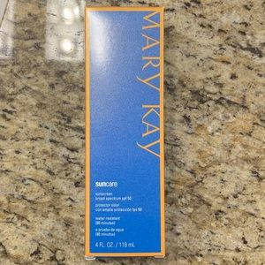 Mary Kay sunscreen exp. 11/18
